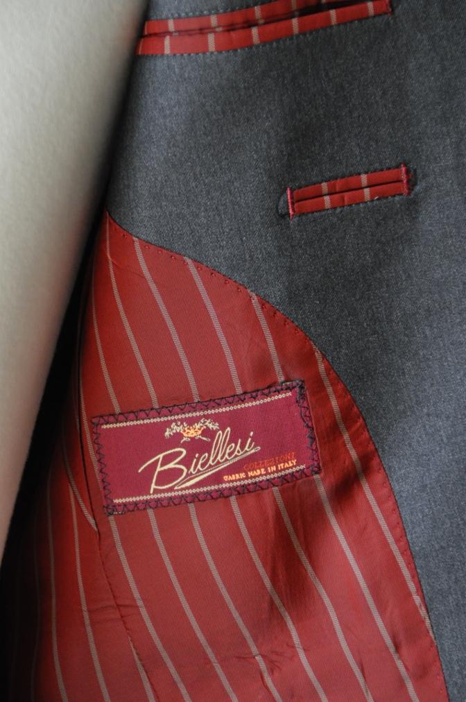DSC1314 お客様のスーツの紹介- BIELLESI チャコールグレー-