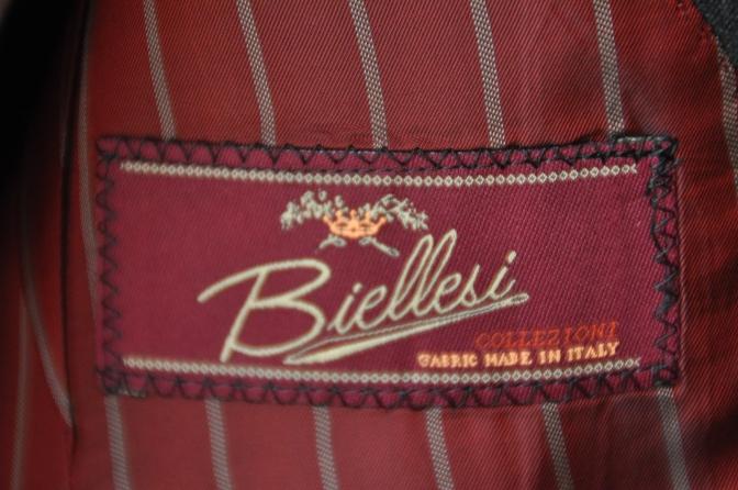 DSC1315 お客様のスーツの紹介- BIELLESI チャコールグレー-