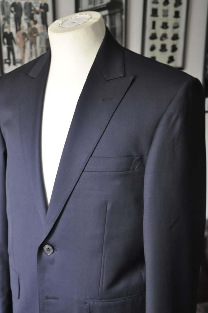 DSC13151 お客様のスーツの紹介- Biellesi 無地ネイビースーツ-