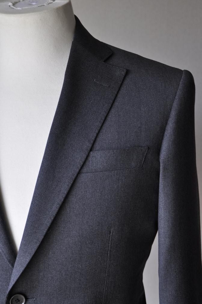 DSC13171 お客様のスーツの紹介- BIELLESI チャコールグレー-
