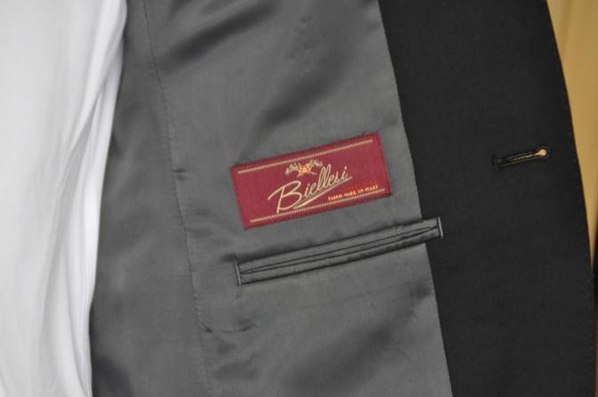DSC1318-1 オーダースーツの紹介-Biellesiブラックスーツ- 名古屋の完全予約制オーダースーツ専門店DEFFERT
