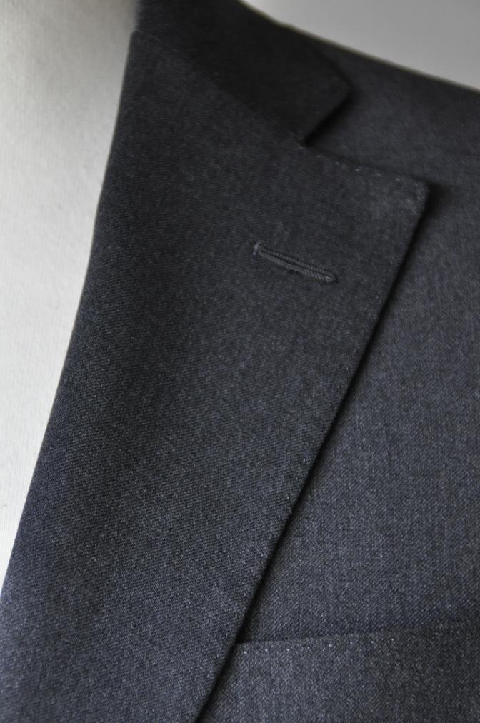 DSC1318 お客様のスーツの紹介- BIELLESI チャコールグレー-
