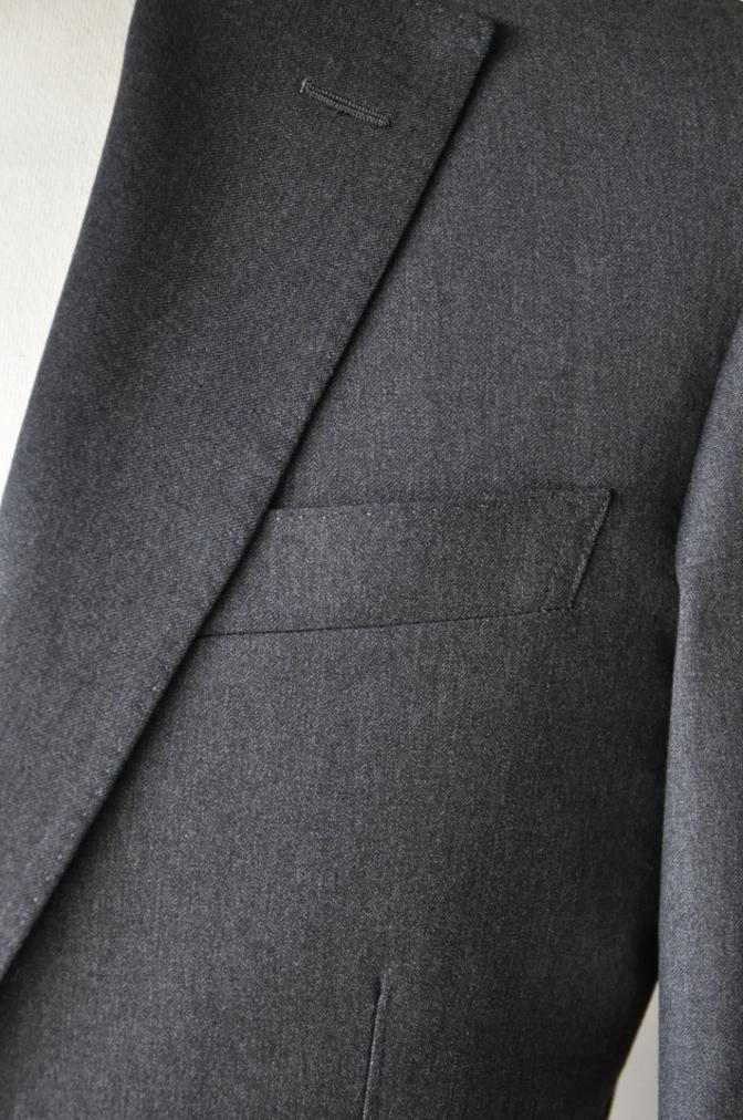 DSC1319 お客様のスーツの紹介- BIELLESI チャコールグレー-