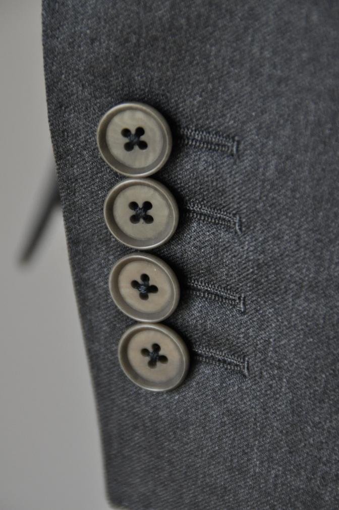 DSC1322 お客様のスーツの紹介- BIELLESI チャコールグレー-