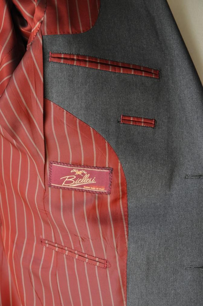 DSC1323 お客様のスーツの紹介- BIELLESI チャコールグレー-