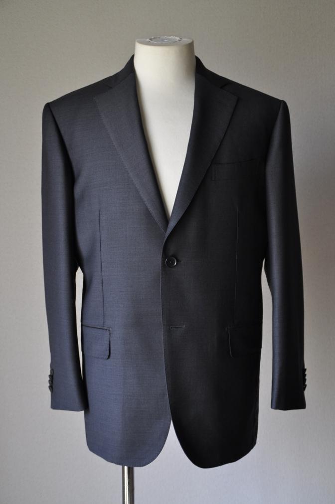 DSC1327 お客様のスーツの紹介- Ermenegild Zegna チャコールグレー-