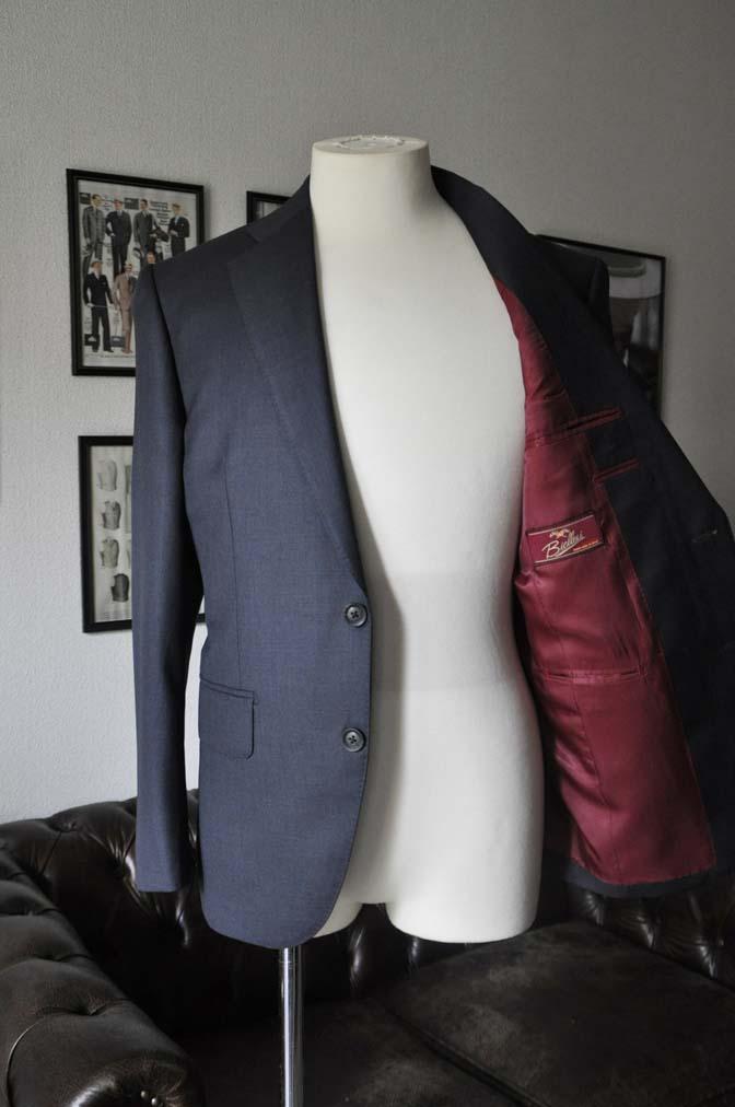 DSC13271 お客様のスーツの紹介-Biellesi 無地ネイビースーツ-