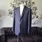 お客様のスーツの紹介-DORMEUIL EXEL無地ネイビースーツ-