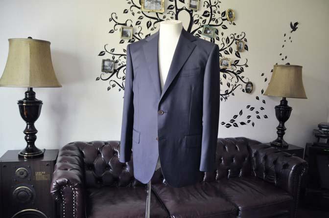 DSC1329-1 お客様のスーツの紹介-DORMEUIL EXEL無地ネイビースーツ-
