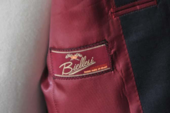 DSC13291 お客様のスーツの紹介-Biellesi 無地ネイビースーツ-