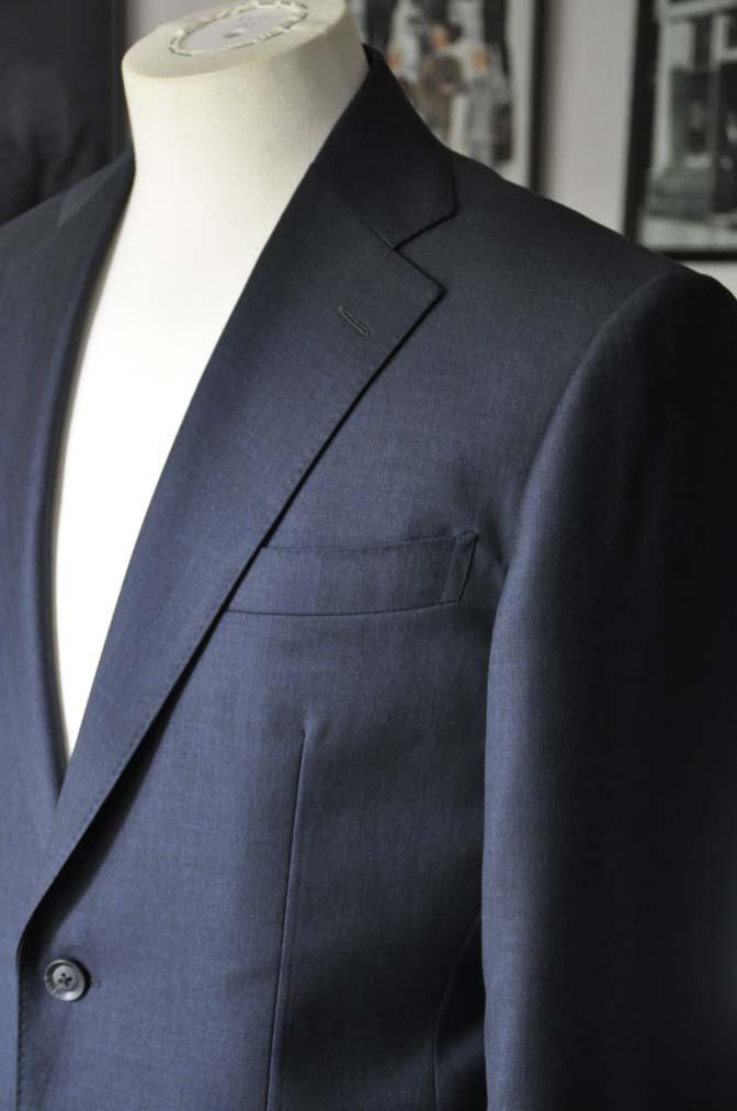 DSC1330 お客様のスーツの紹介-Biellesi 無地ネイビースーツ-