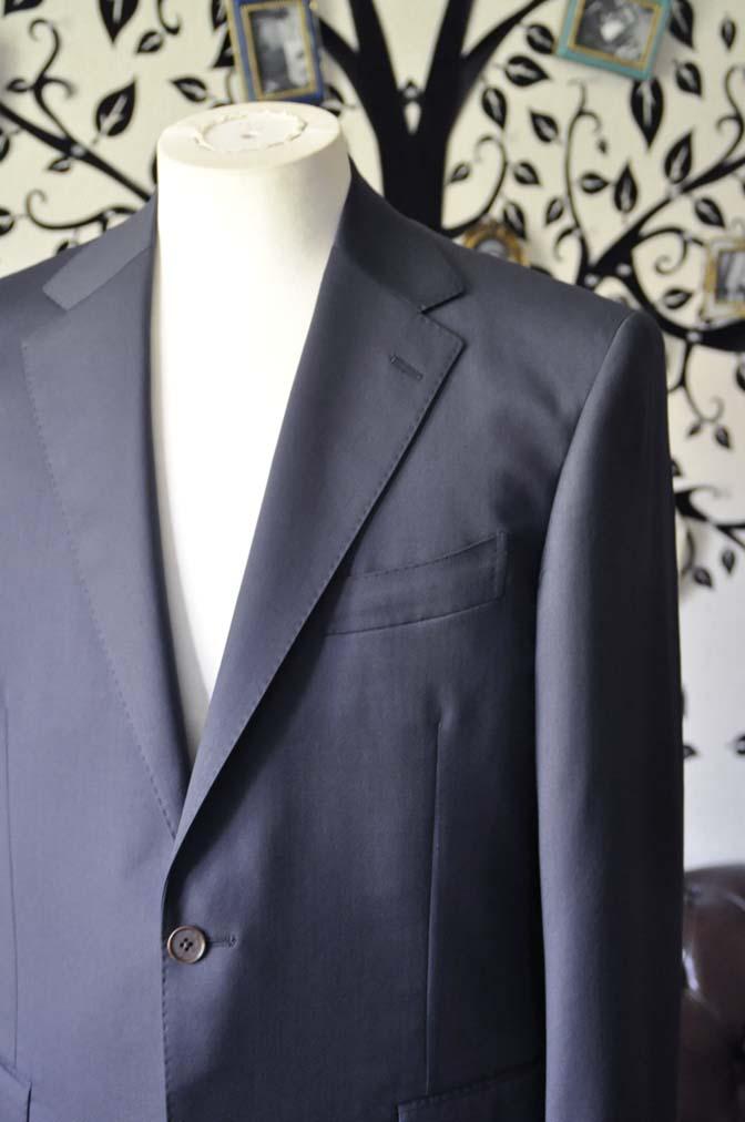 DSC1331 お客様のスーツの紹介-DORMEUIL EXEL無地ネイビースーツ- 名古屋の完全予約制オーダースーツ専門店DEFFERT