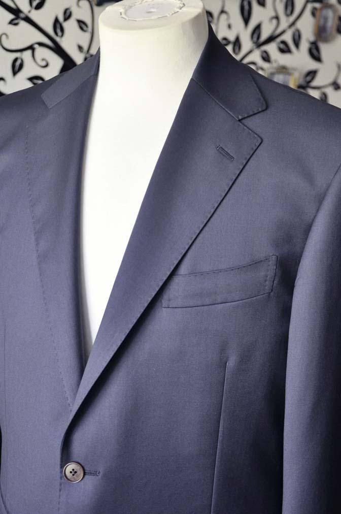 DSC1332-1 お客様のスーツの紹介-DORMEUIL EXEL無地ネイビースーツ-