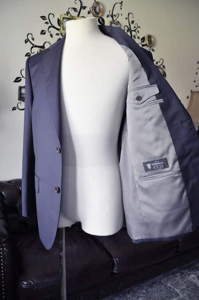 DSC1339 お客様のスーツの紹介-DORMEUIL EXEL無地ネイビースーツ-