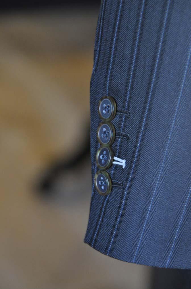 DSC1341 オーダースーツの紹介-MARLANE 1440 ブラックストライプスリーピース- 名古屋の完全予約制オーダースーツ専門店DEFFERT