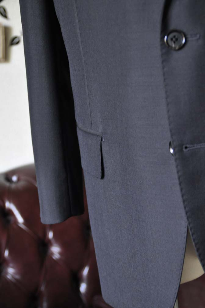 DSC1353-1 お客様のスーツの紹介-御幸毛織 SHALICK 無地ブラックスーツ-