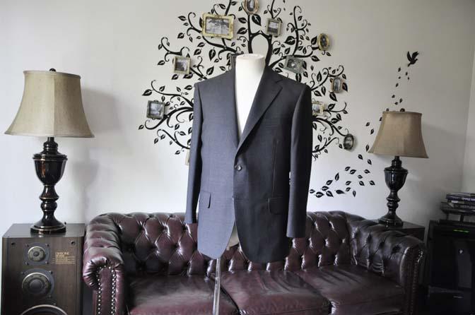 DSC1360 お客様のスーツの紹介-御幸毛織 グレーストライプスーツ-