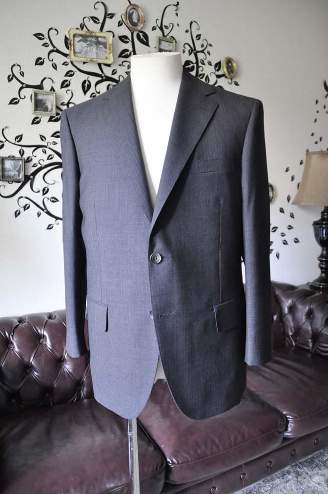 DSC1361-1 お客様のスーツの紹介-御幸毛織 グレーストライプスーツ-