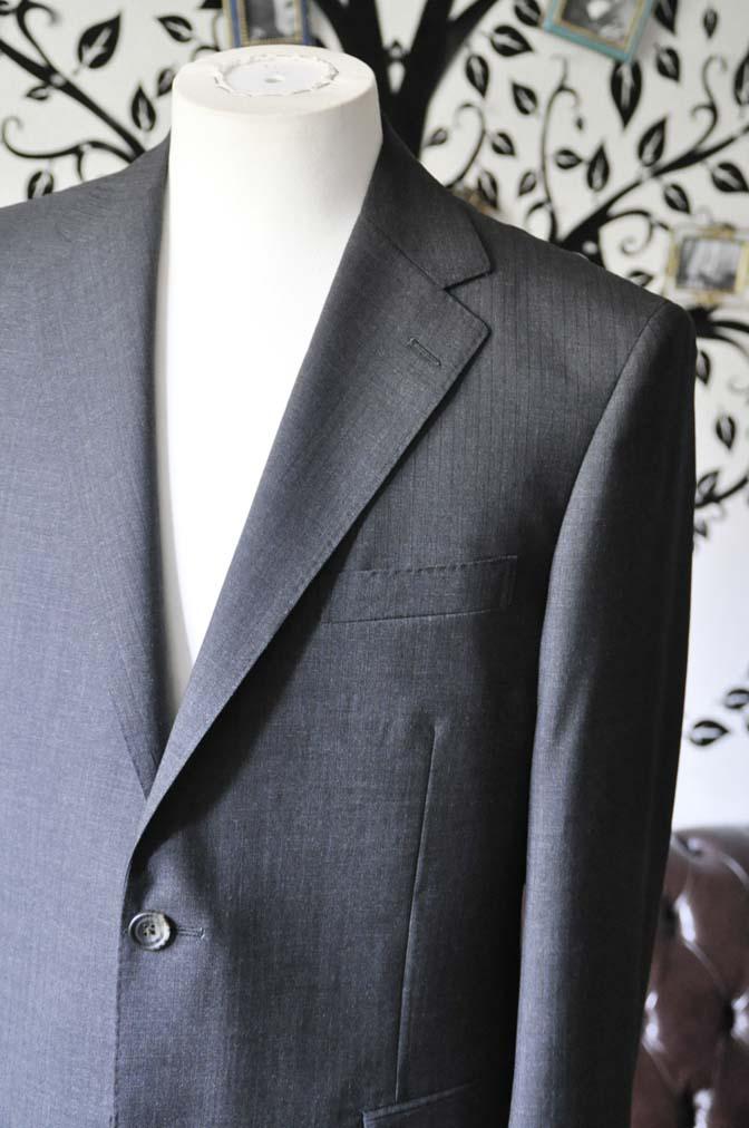DSC1362 お客様のスーツの紹介-御幸毛織 グレーストライプスーツ-