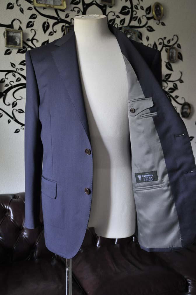 DSC1387 お客様のスーツの紹介-DORMEUIL EXEL無地ネイビースーツ-