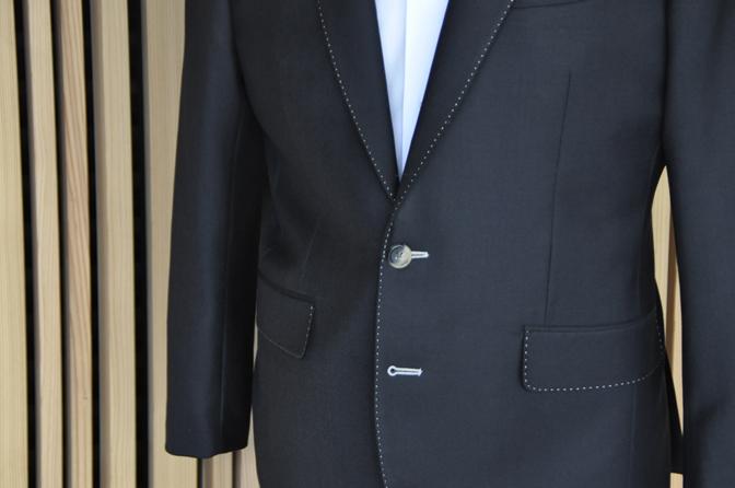 DSC1412-2 オーダージャケットの紹介-DARROWDALEブラックジャケット- 名古屋の完全予約制オーダースーツ専門店DEFFERT