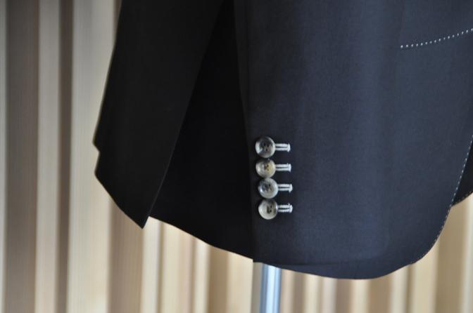 DSC1415-2 オーダージャケットの紹介-DARROWDALEブラックジャケット- 名古屋の完全予約制オーダースーツ専門店DEFFERT