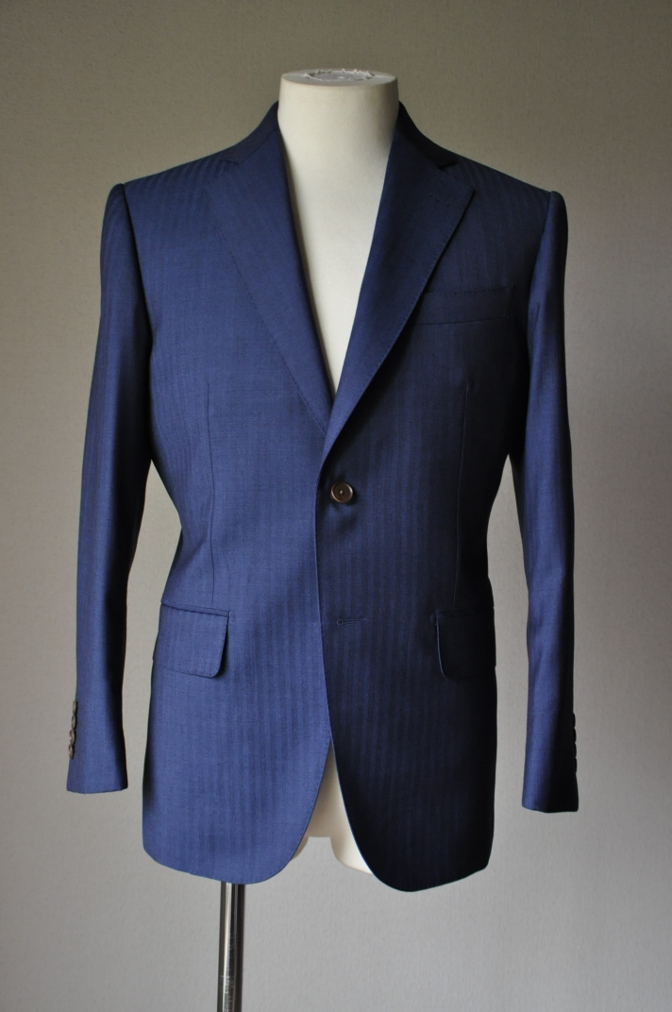 DSC1428 お客様のスーツの紹介- BIELLESI ネイビーヘリンボーン-