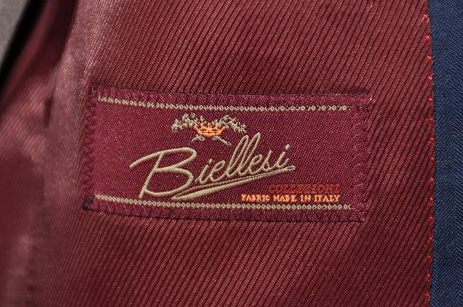 DSC1433 お客様のスーツの紹介- BIELLESI ネイビーヘリンボーン-