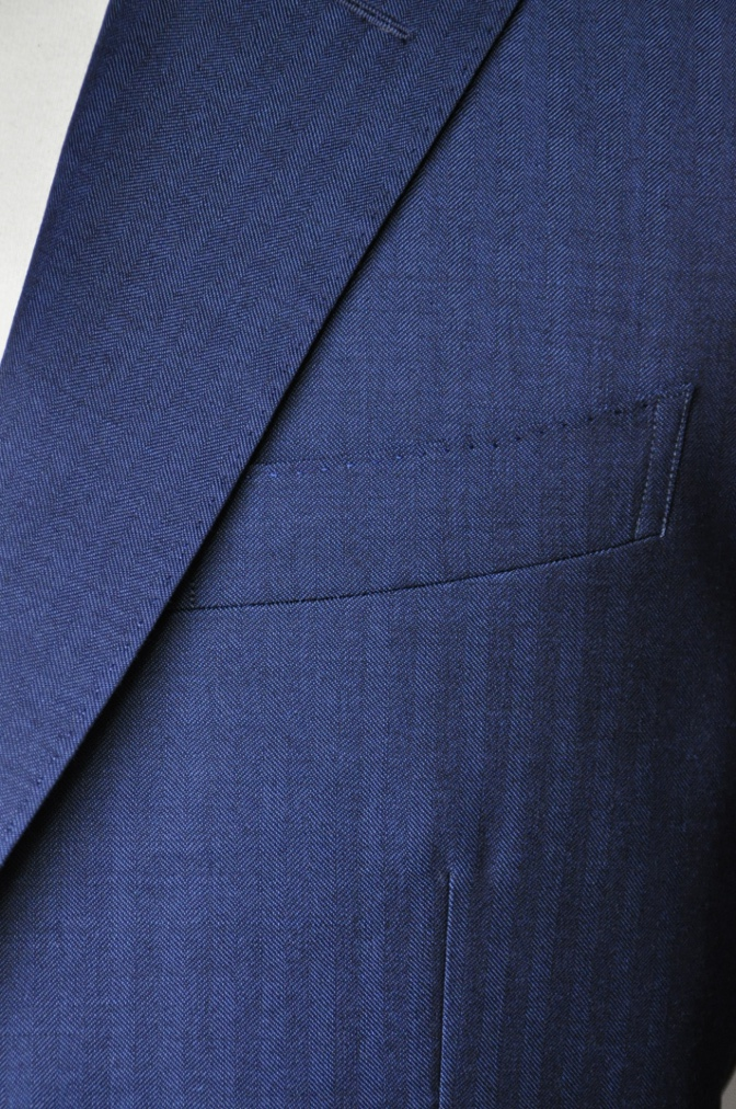 DSC1436 お客様のスーツの紹介- BIELLESI ネイビーヘリンボーン-