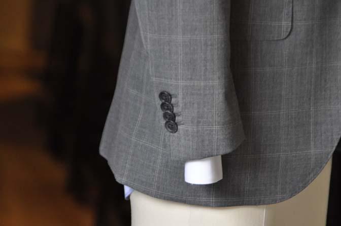 DSC1440-2 オーダースーツの紹介-グレーウィンドペン スリーピース- 名古屋の完全予約制オーダースーツ専門店DEFFERT