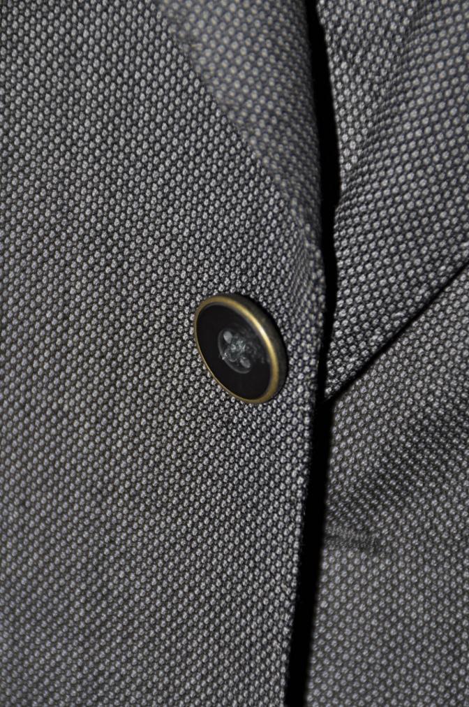 DSC1458 スーツの紹介-BIELLESI グレーバーズアイ スリーピース-
