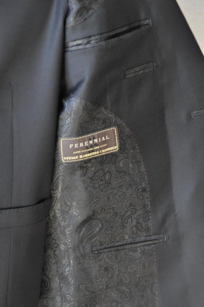 DSC14581 お客様のスーツの紹介-CANONICO ブラックスリーピース-