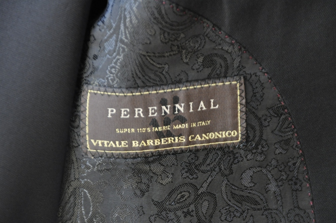 DSC14611 お客様のスーツの紹介-CANONICO ブラックスリーピース-