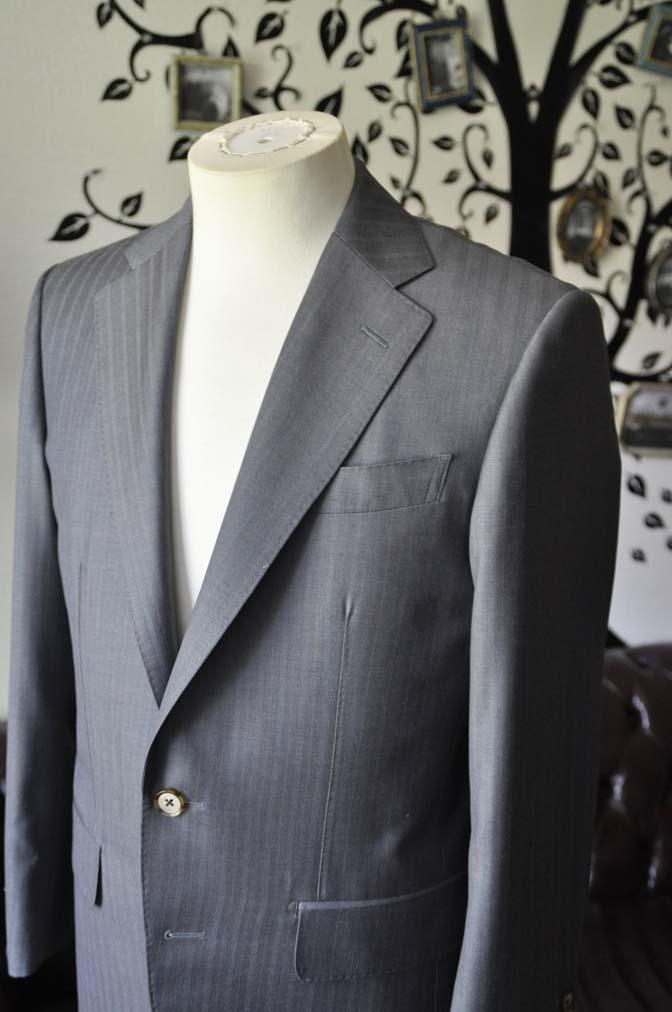 DSC1463-1 お客様のスーツの紹介-SCABAL GOLDEN RIBBONグレーストライプ- 名古屋の完全予約制オーダースーツ専門店DEFFERT