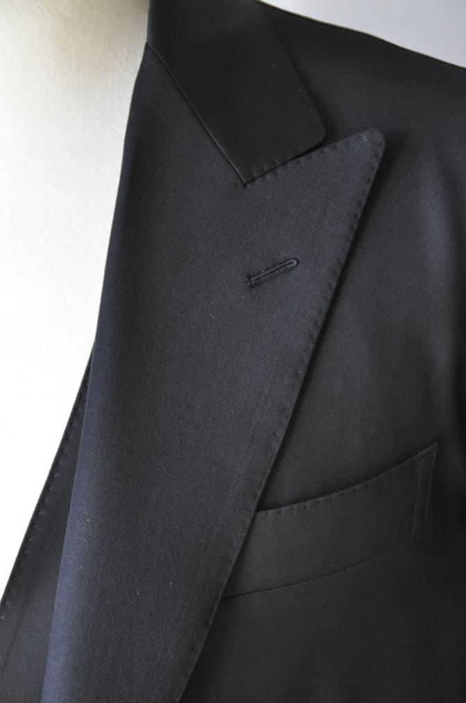 DSC1463 お客様のスーツの紹介-CANONICO ブラックスリーピース-