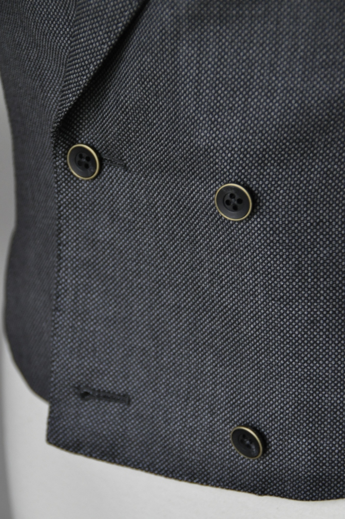 DSC1468 スーツの紹介-BIELLESI グレーバーズアイ スリーピース-