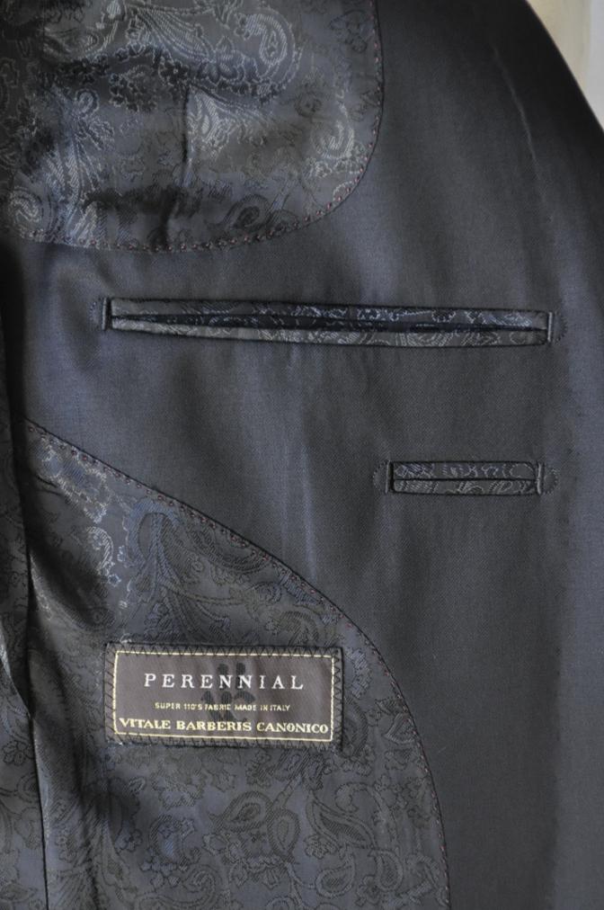 DSC1469 お客様のスーツの紹介-CANONICO ブラックスリーピース-
