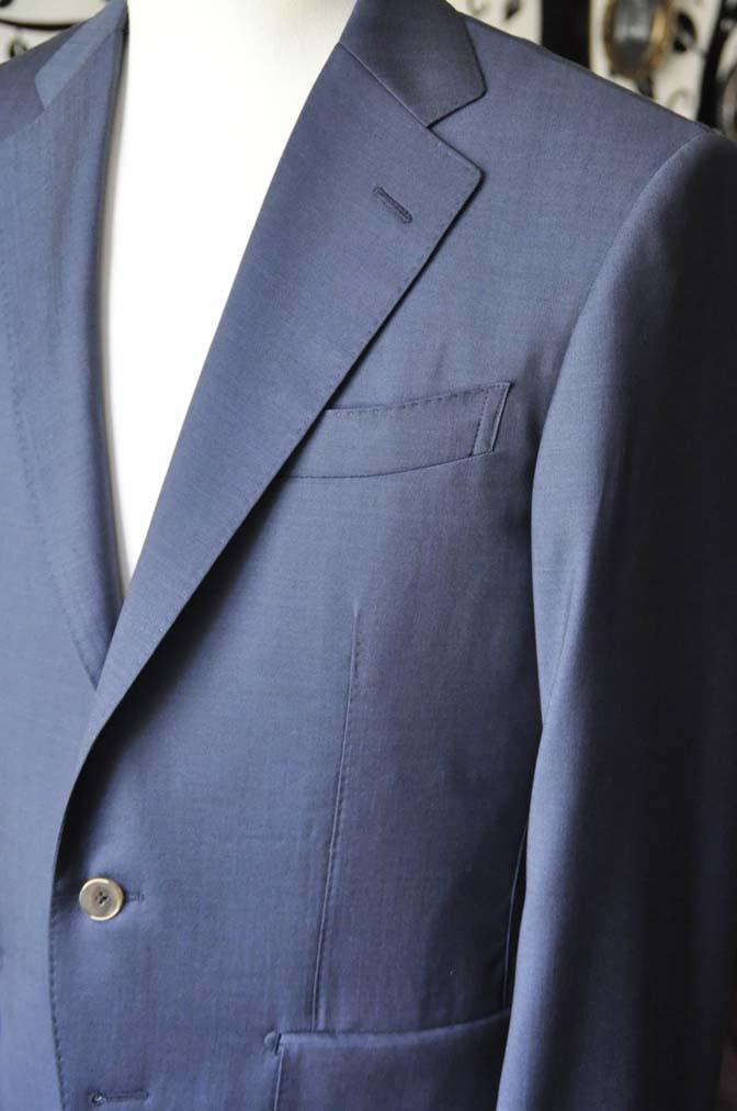 DSC1482-1 お客様のスーツの紹介-DORMEUIL EXEL 無地ネイビースーツ-