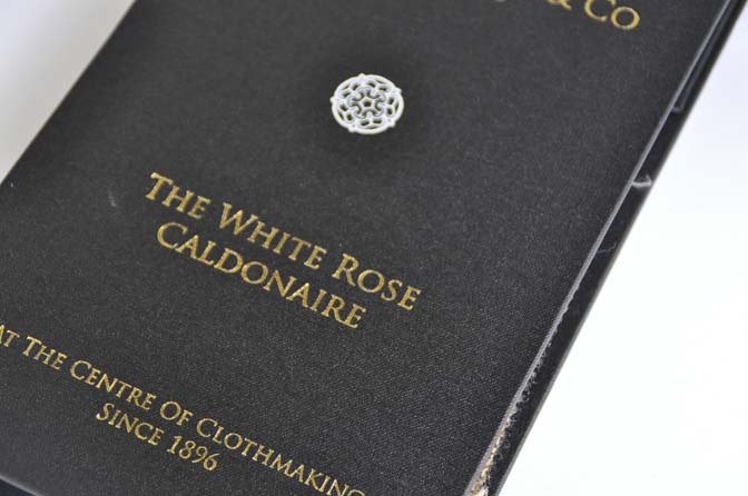 DSC14871 DUGDALE BROS&CO THE WHITE ROSE CALDONAIRE 名古屋の完全予約制オーダースーツ専門店DEFFERT