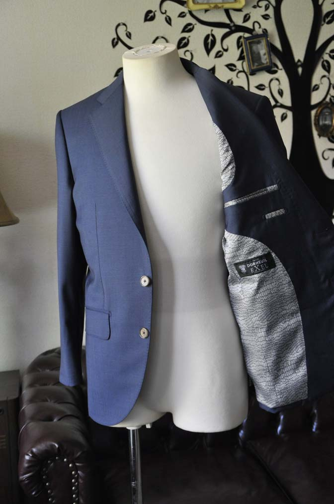 DSC1488-1 お客様のスーツの紹介-DORMEUIL EXEL 無地ネイビースーツ-