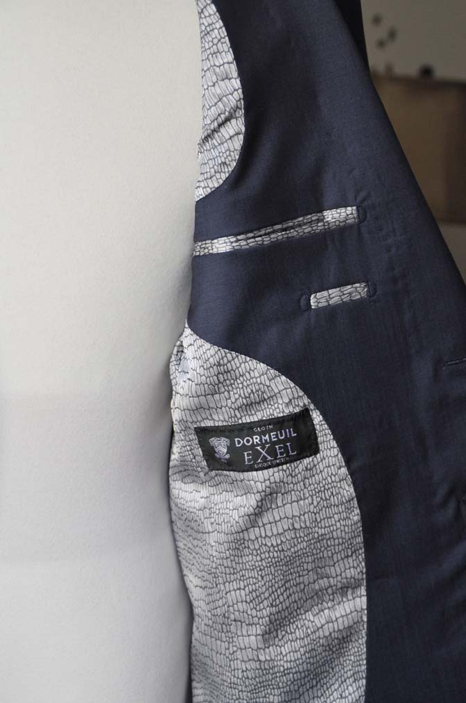 DSC1490-1 お客様のスーツの紹介-DORMEUIL EXEL 無地ネイビースーツ-