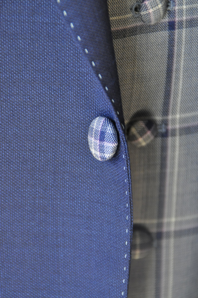 DSC15121 お客様のウエディング衣装の紹介-ネイビースーツにチェックベスト-