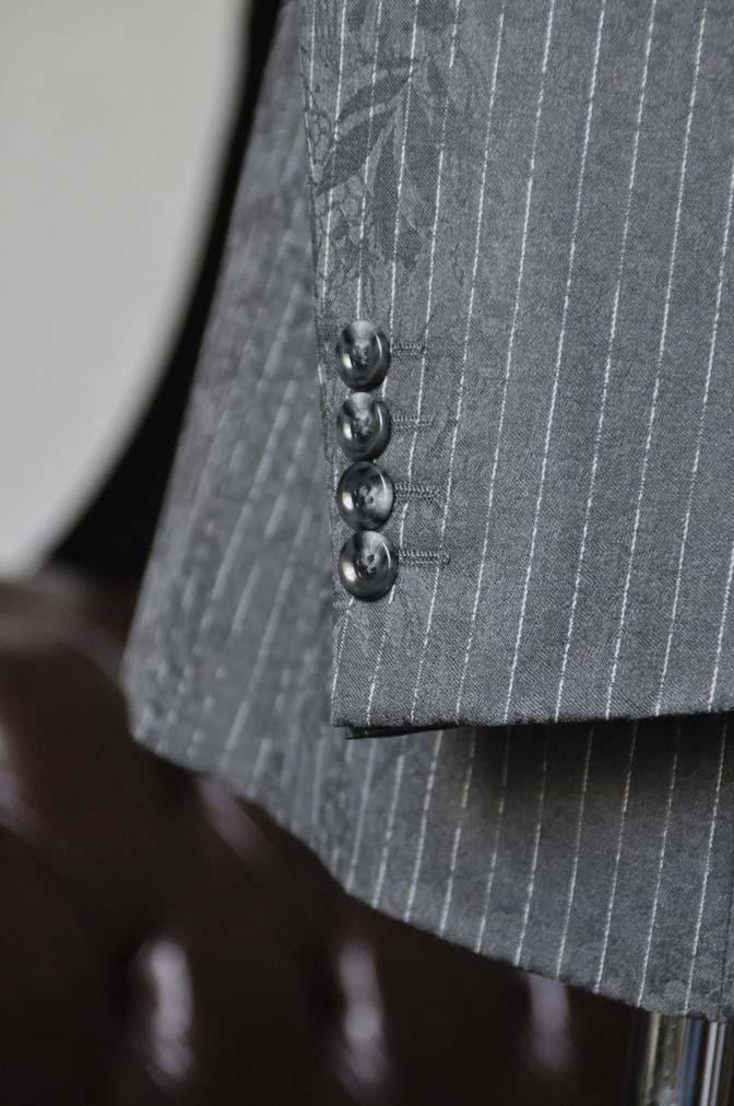 DSC1520-1 お客様のスーツの紹介-Collezioni Biellesiグレーストライプスーツ-