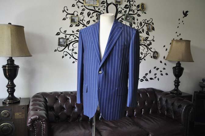 DSC1528-1 お客様のスーツの紹介-DARROW DALEネイビーストライプスーツ-