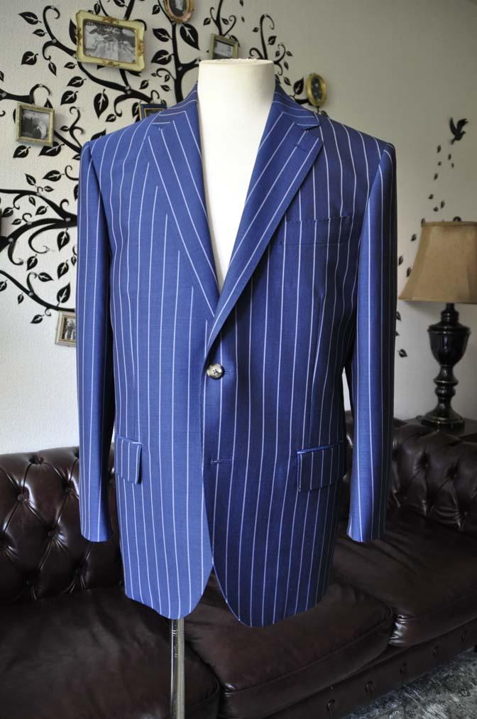 DSC1529-1 お客様のスーツの紹介-DARROW DALEネイビーストライプスーツ-