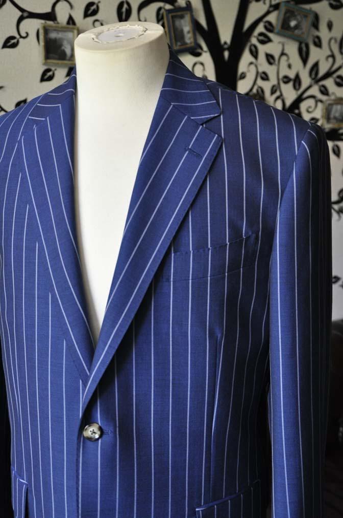 DSC1534-1 お客様のスーツの紹介-DARROW DALEネイビーストライプスーツ-