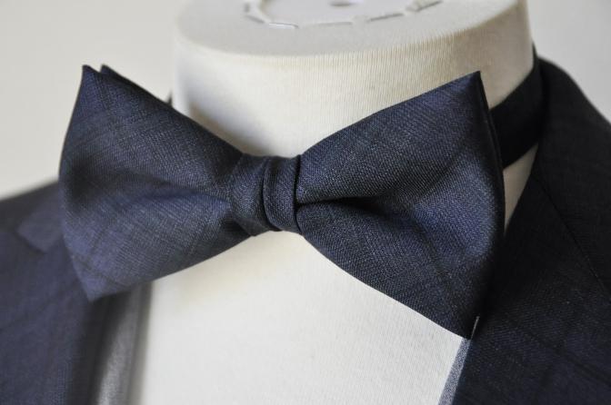 DSC15371 お客様のウエディング衣装の紹介-ネイビーチェックスーツにグレーベスト-