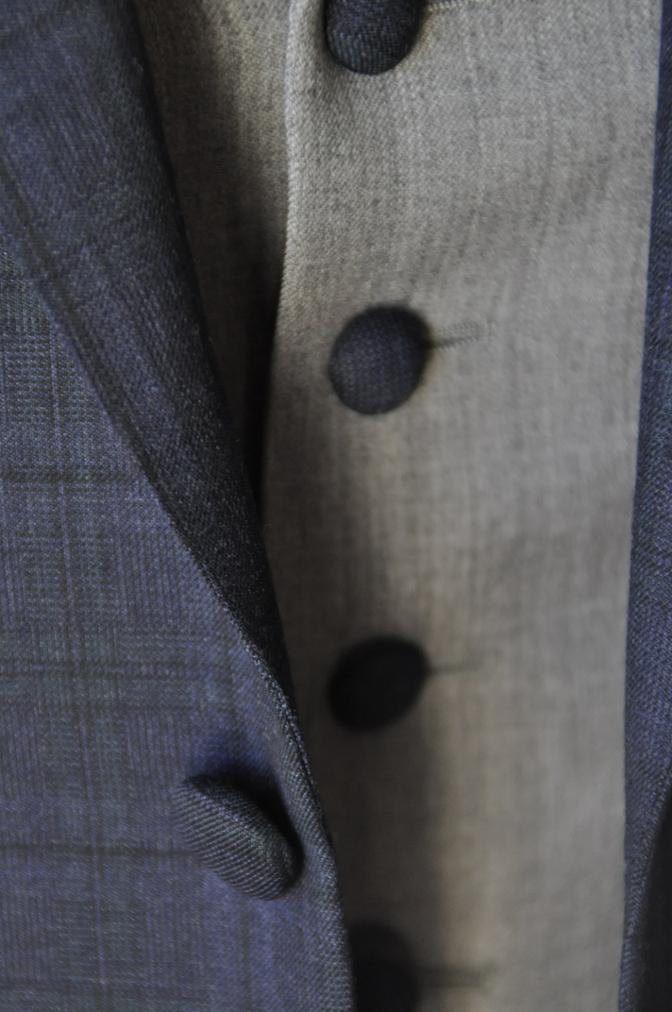 DSC15461 お客様のウエディング衣装の紹介-ネイビーチェックスーツにグレーベスト-