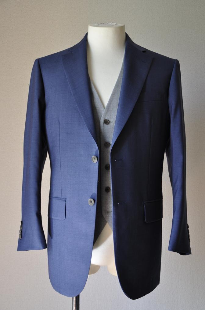 DSC1555 お客様のハワイウエディング衣装の紹介- ネイビースーツ グレーベスト- 名古屋の完全予約制オーダースーツ専門店DEFFERT