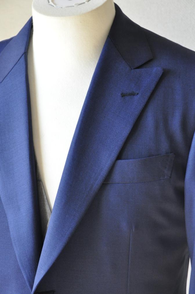 DSC1557 お客様のウエディング衣装の紹介-ネイビースーツ グレーチェックベスト-